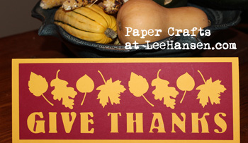 Papercraft Thanksgiving table decoration